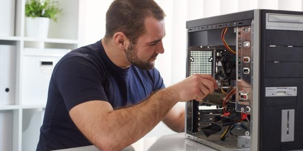 Техник по ремонту компьютеров?